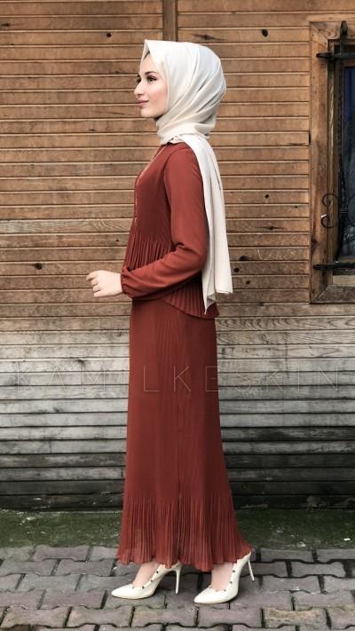 ÇİFT KATLI BÜZGÜLÜ ELBİSE