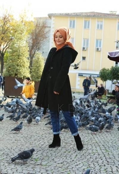 KAPŞONLU KEMERLİ KAŞE KABAN